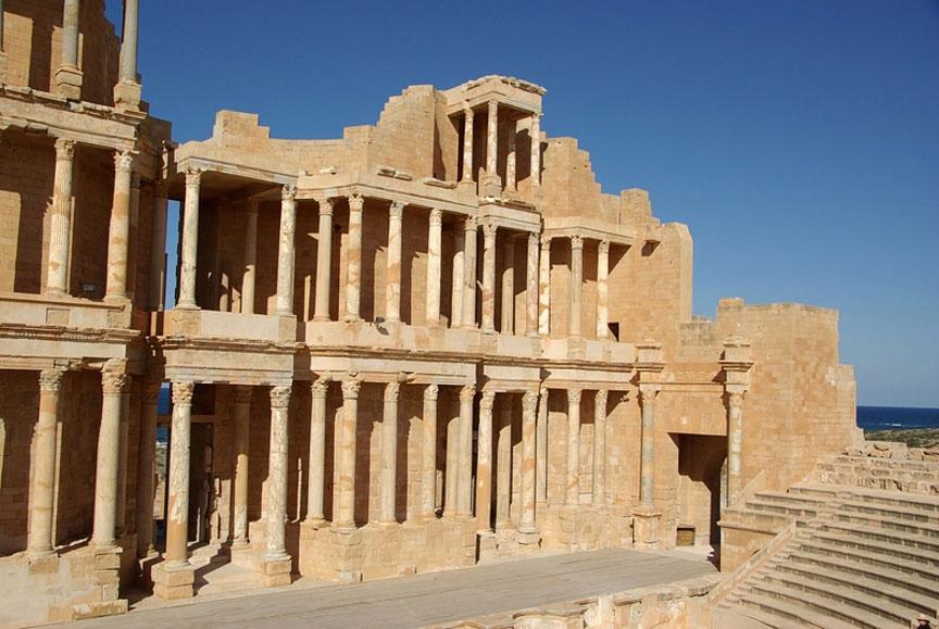 Древнеримский театр в городе Сабрата